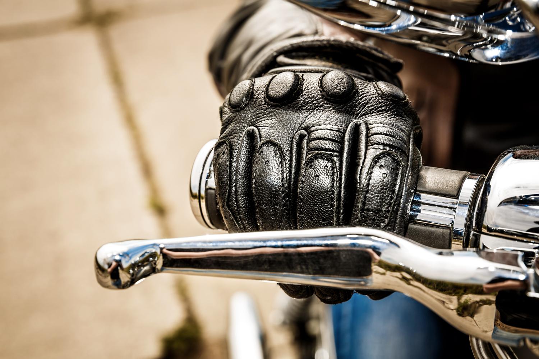 Gants obligatoires pour les motards à compter du 20 novembre